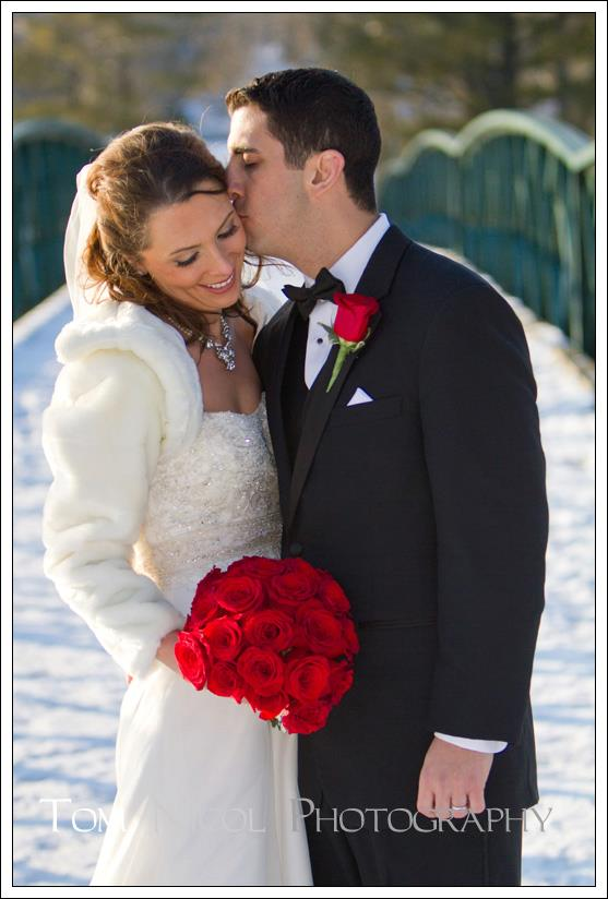 bride and groom in winter